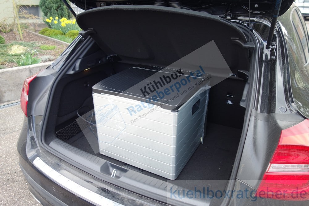 Dometic Combicool RC2200 EGP in einem Kompaktwagen