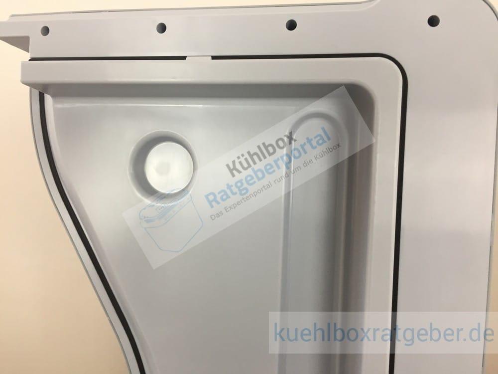 Mobicool W40 Kühlbox Aussparung im Deckel